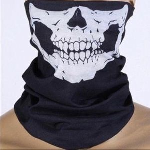 Face Cover Up That has Many Uses